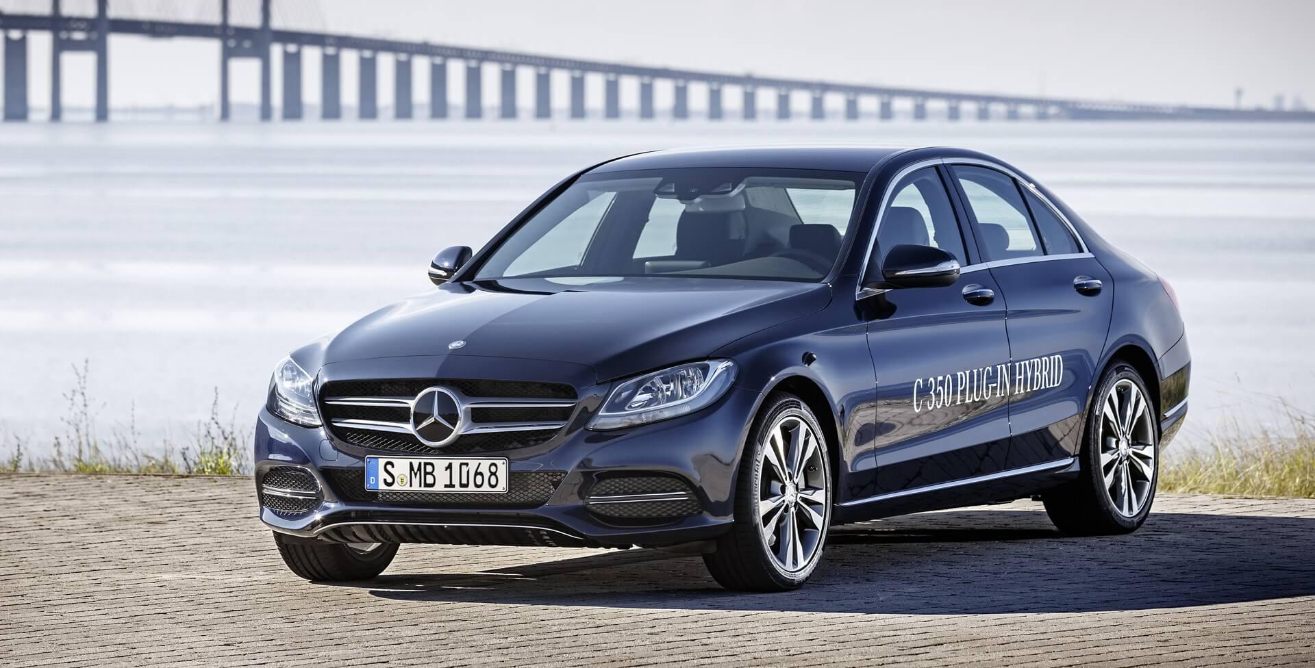 Победитель номинации «Connected Green Car ofthe Year» — плагин-гибрид Mercedes-Benz C350e