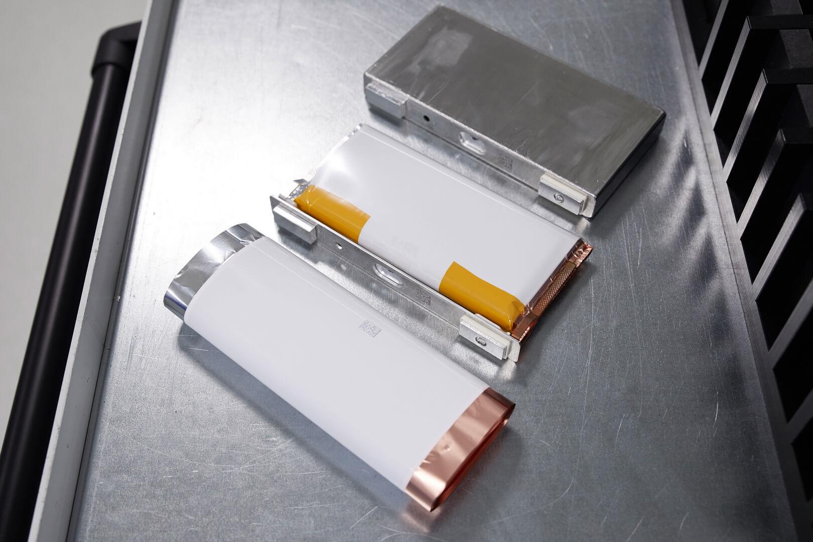 Ячейки аккумуляторных батарей