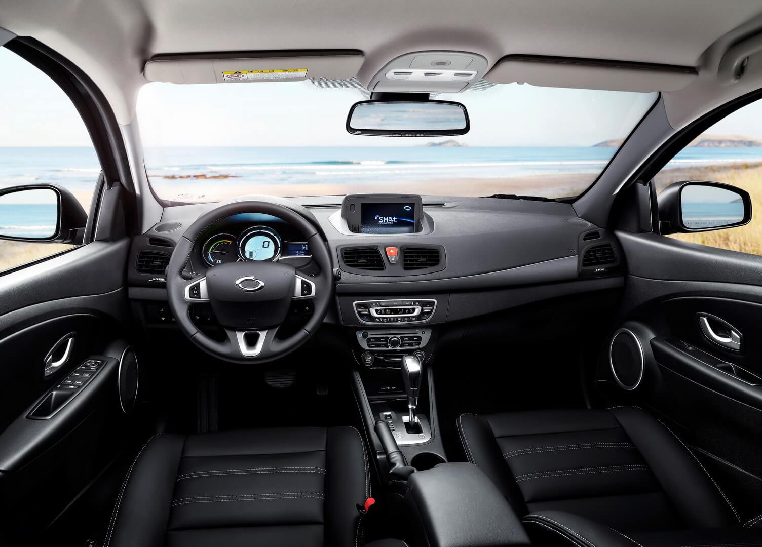 Салон электромобиля Renault Samsung SM3Z.E.