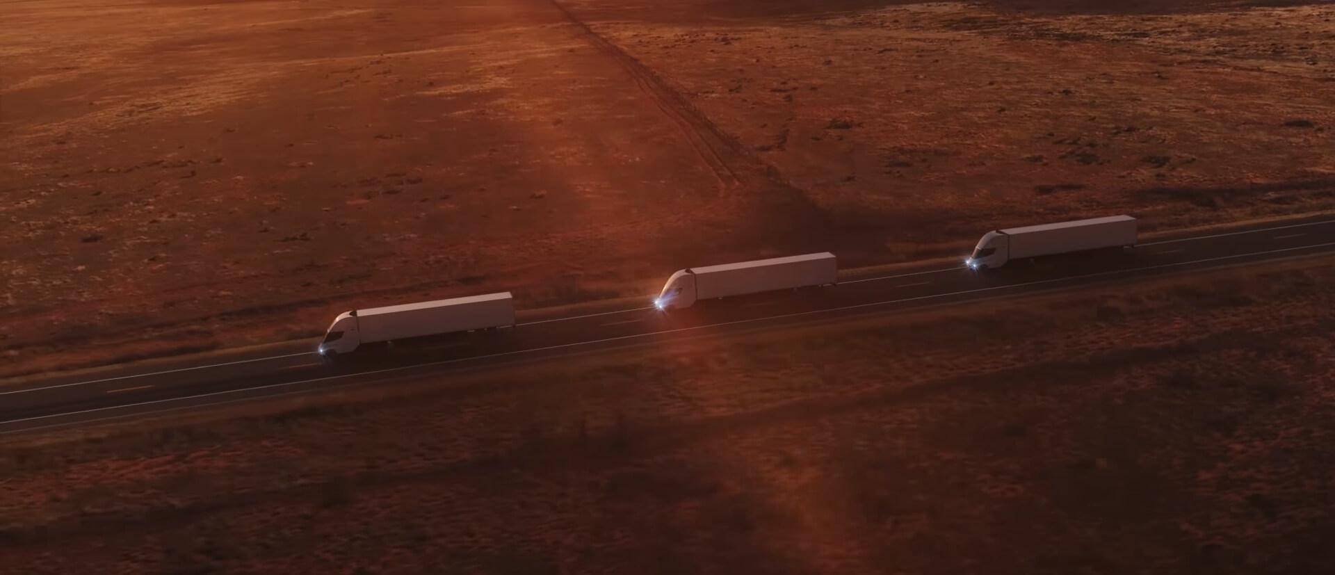 Конвой изтрех электрогрузовиков Tesla Semi