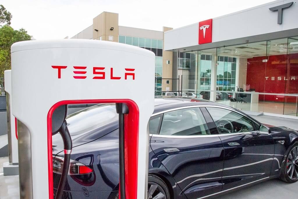 Быстрая зарядная станция Tesla Supercharger