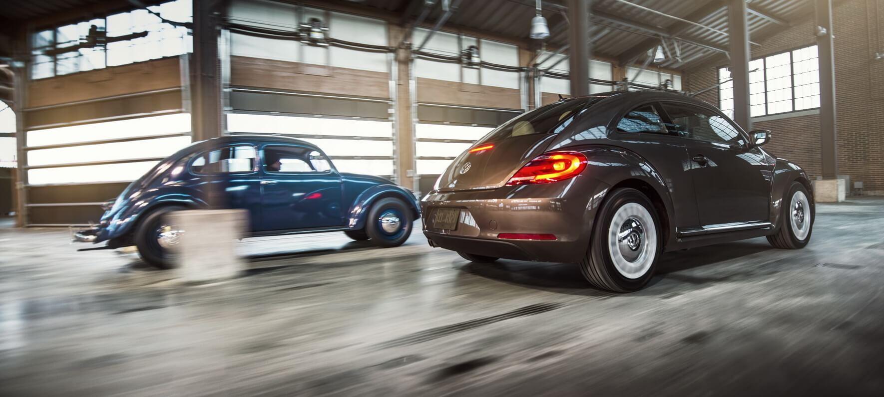 Volkswagen Beetle 1939 года и последнего поколения