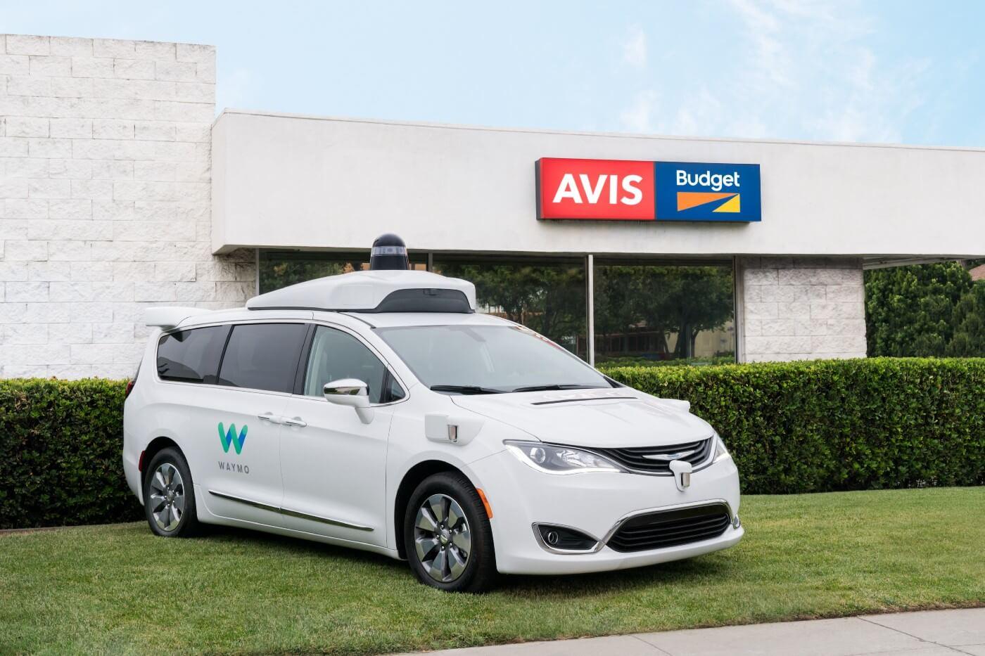 Прокатная компания Avis и Chrysler Pacifica с автономным управлением отWaymo