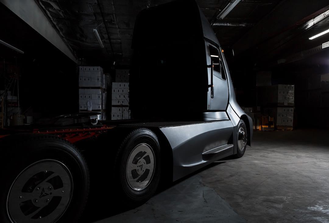 Прототип полностью электрического грузовика ET-One