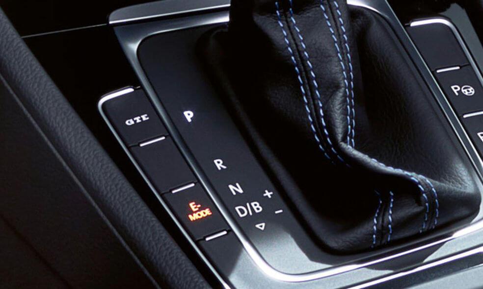 Селектор коробки передач свыбором режимов вождения