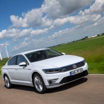 Фотография экоавто Volkswagen Passat GTE - фото 10
