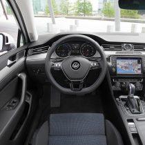 Фотография экоавто Volkswagen Passat GTE - фото 13