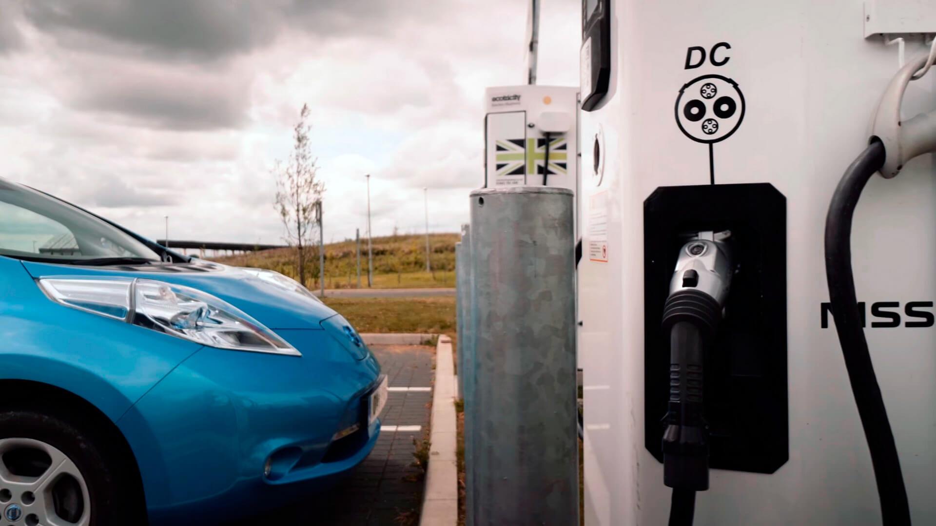 Быстрые зарядные станции в Великобритании