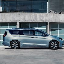 Фотография экоавто Chrysler Pacifica Hybrid - фото 12