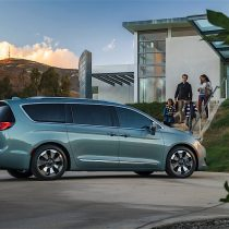 Фотография экоавто Chrysler Pacifica Hybrid - фото 6
