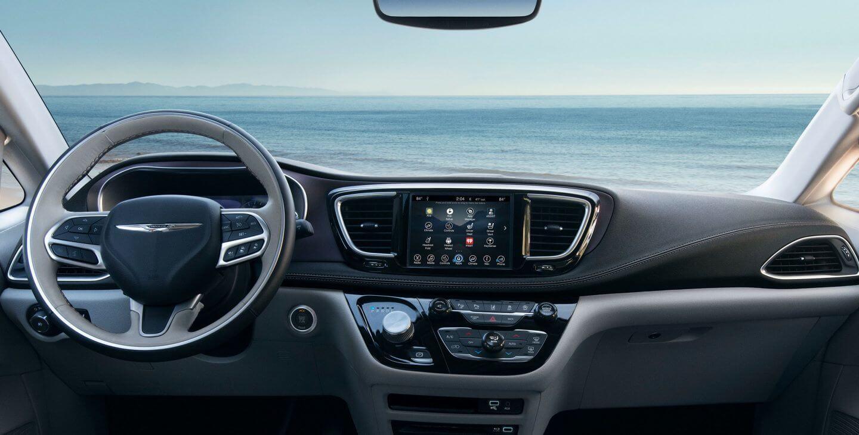 Приборная панель Chrysler Pacifica Hybrid