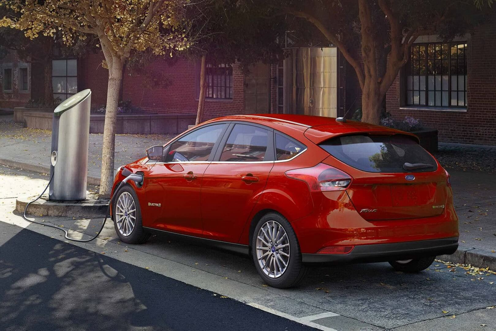 Фотография экоавто Ford Focus Electric 2017 - фото 13