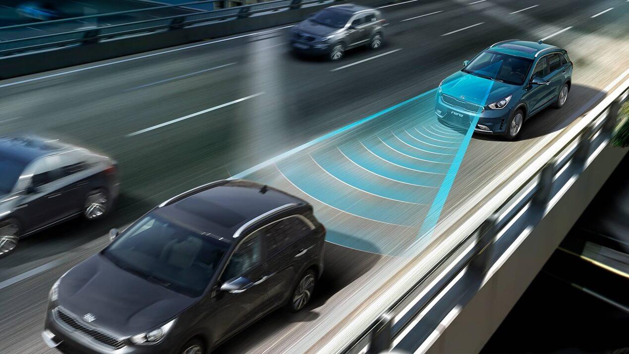 Система автоматического экстренного торможения (AEB) Kia Niro Plug-in Hybrid