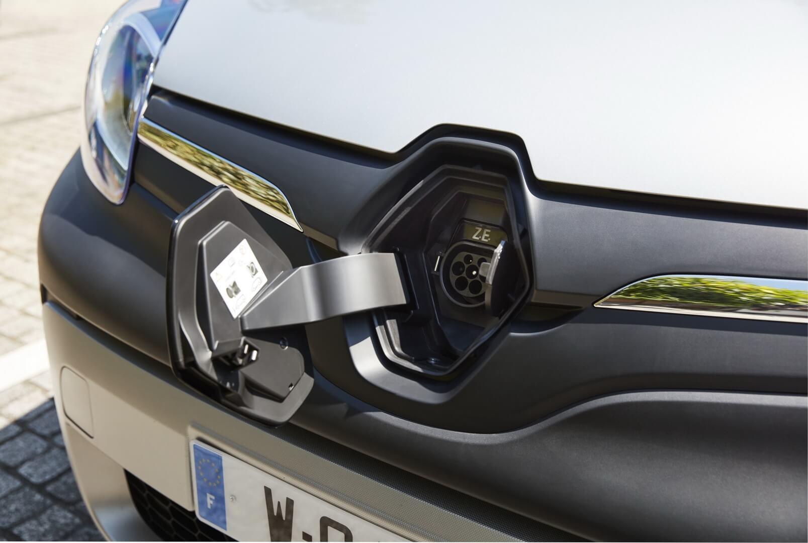 Зарядный порт Type 2 электромобилей Renault