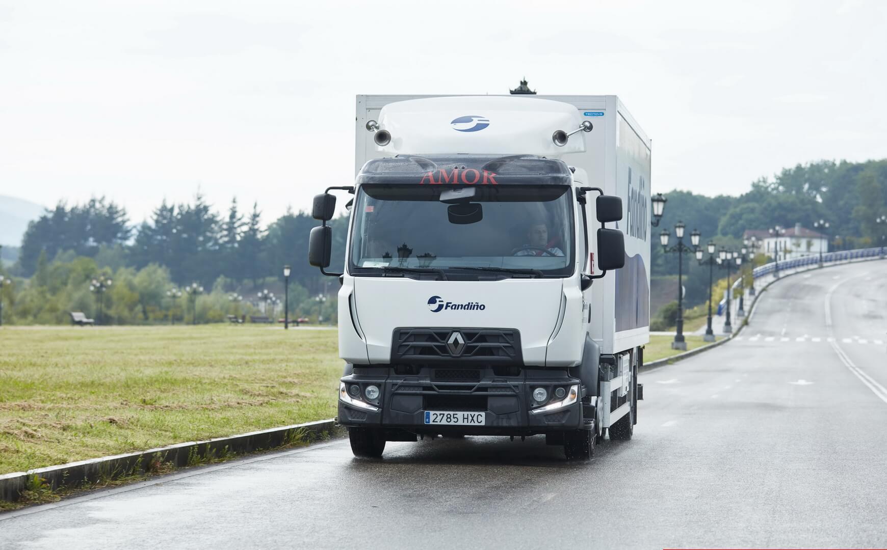 Среднетоннажный грузовик Renault Trucks