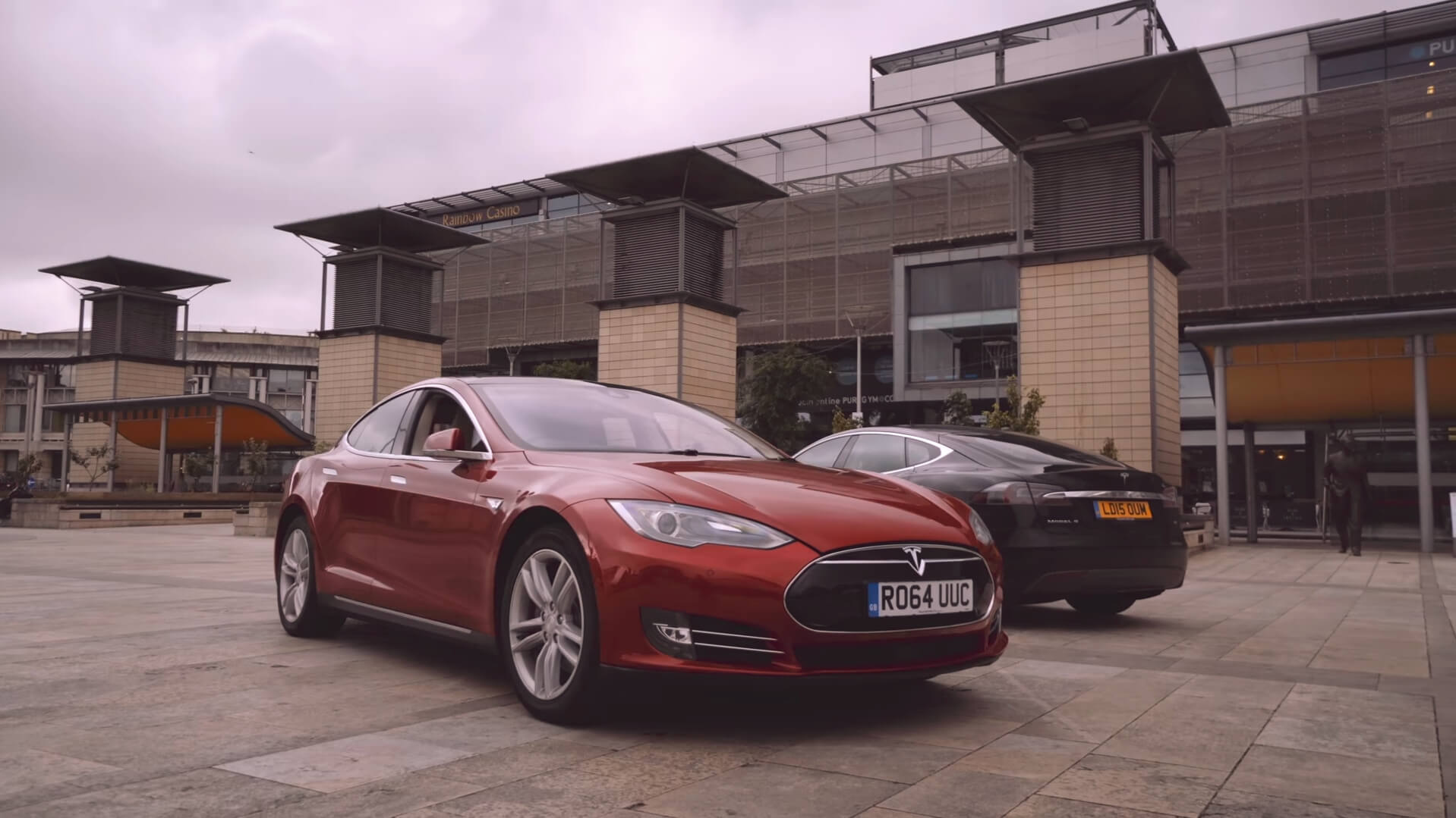 Электромобили Tesla Model S