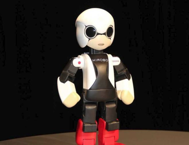 Робот-астронавт Kirobo