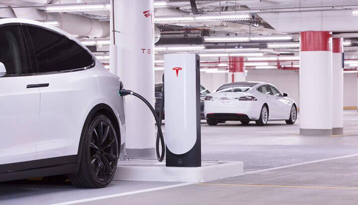 Быстрые зарядные станции Tesla Supercharger