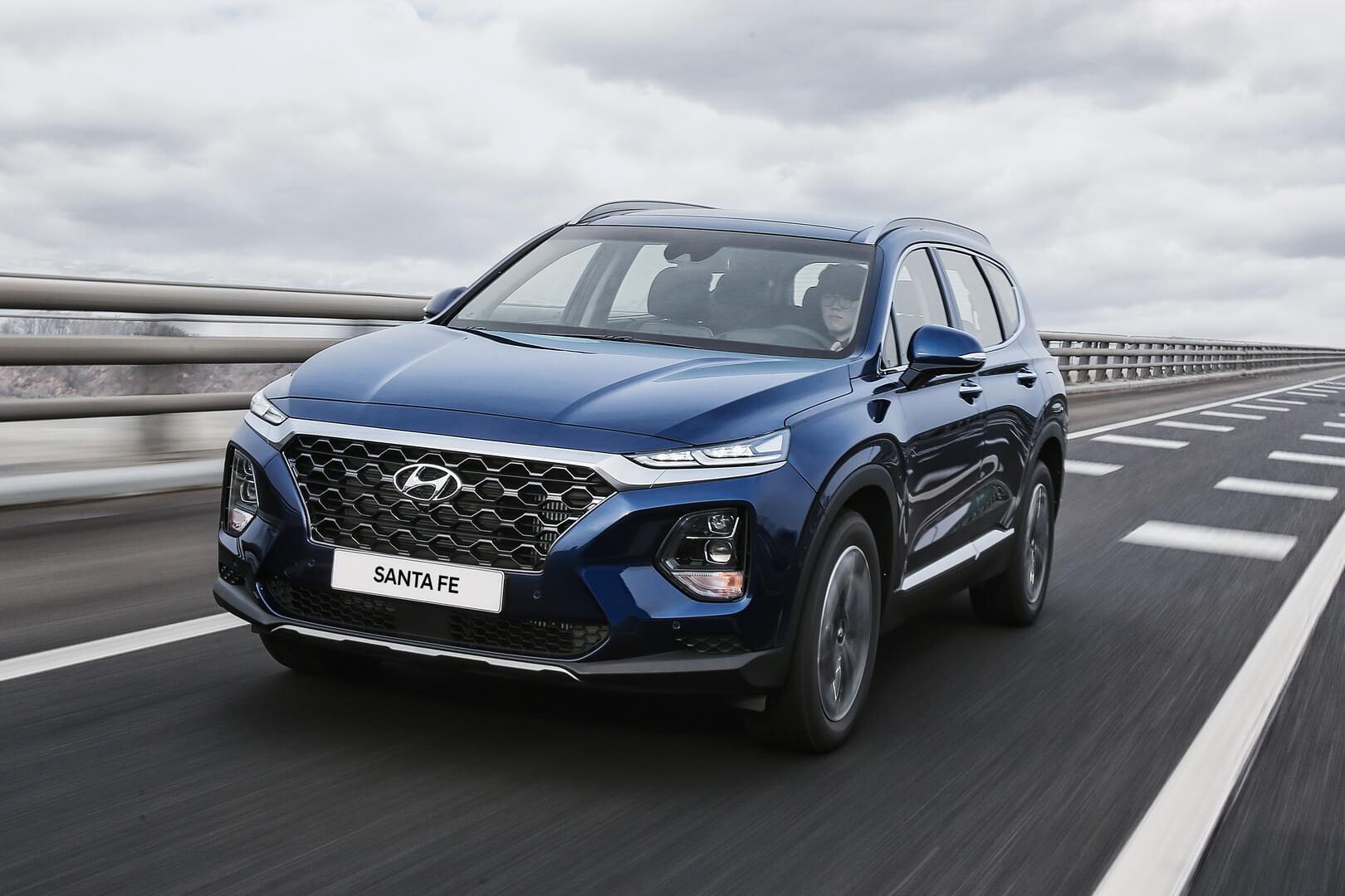 Версия Hyundai Santa Fe 2019 с ДВС