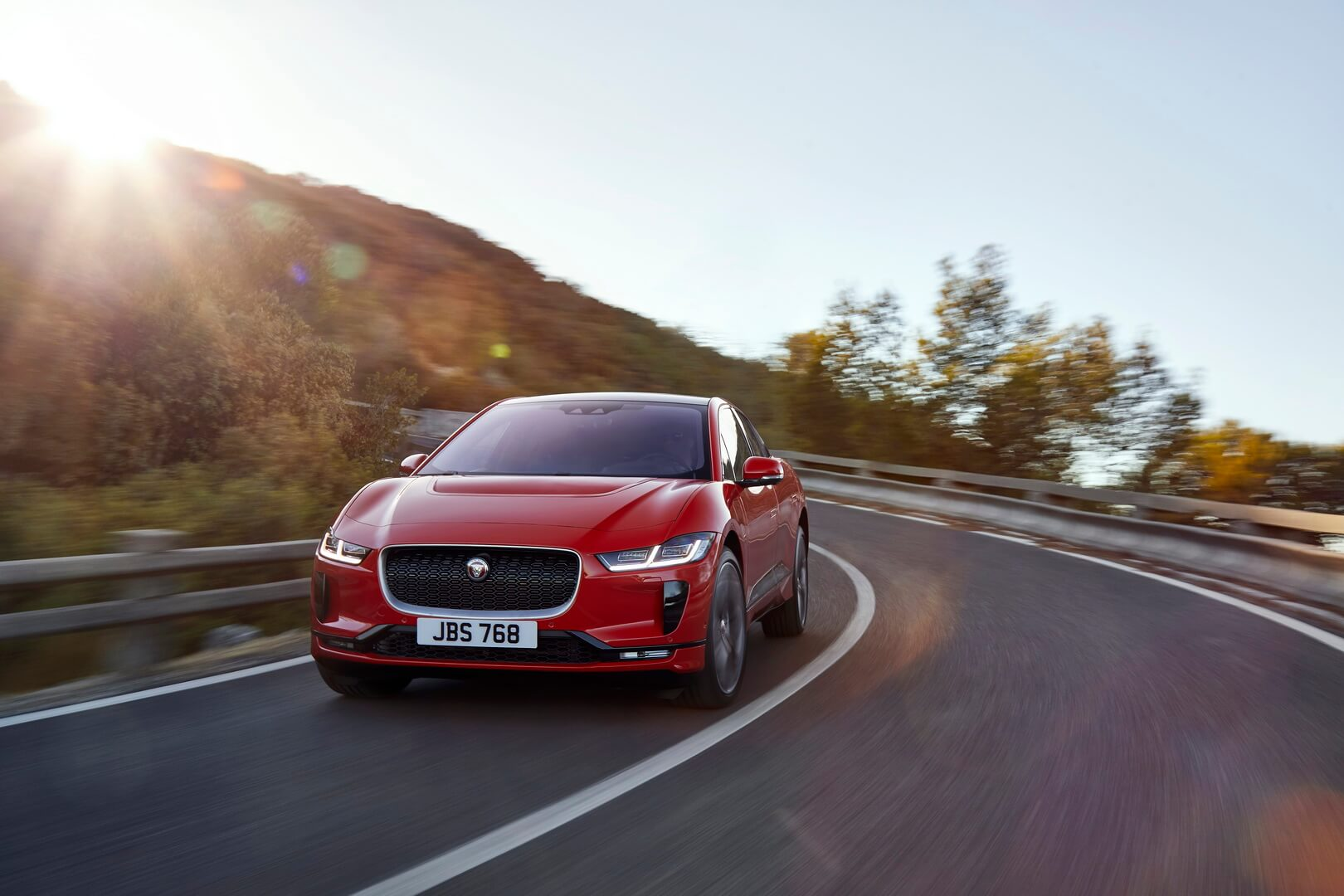 Фотография экоавто Jaguar I-Pace - фото 2