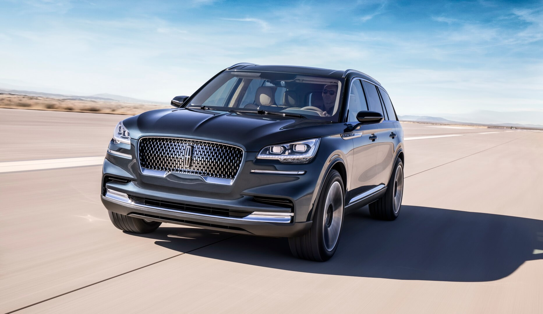 Плагин-гибрид Lincoln Aviator