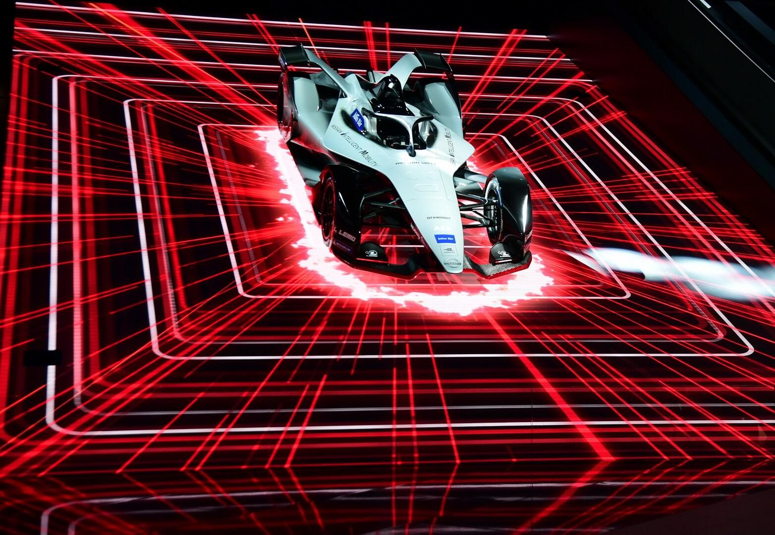 Концепт гоночного автомобиля Nissan для Formula E на Женевском автосалоне 2018