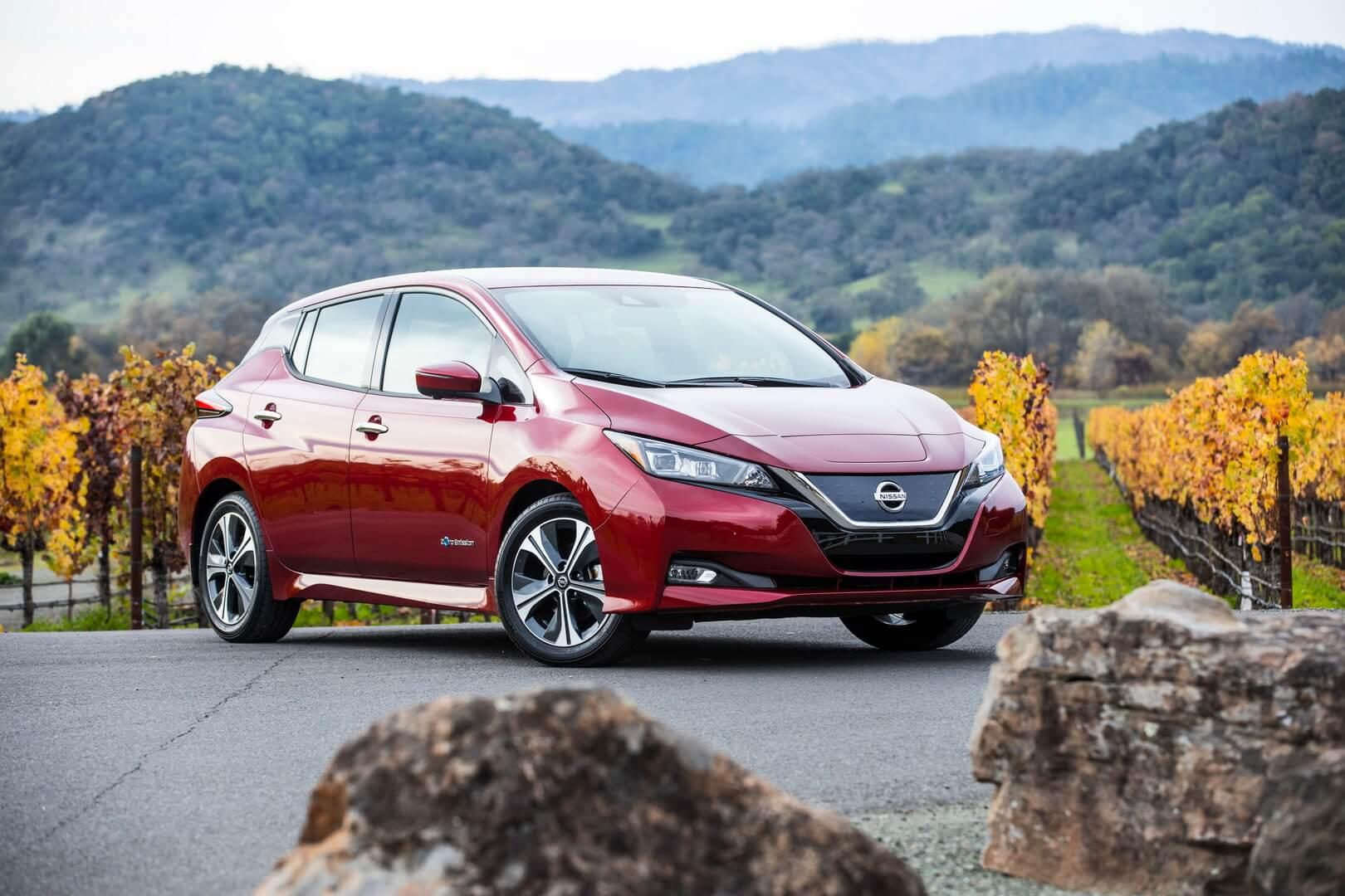 Электромобиль Nissan Leaf с батареей 40 кВт⋅ч