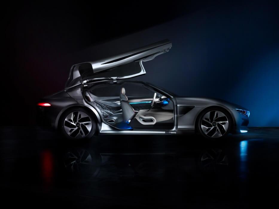 «Крыла чайки» Pininfarina HK GT