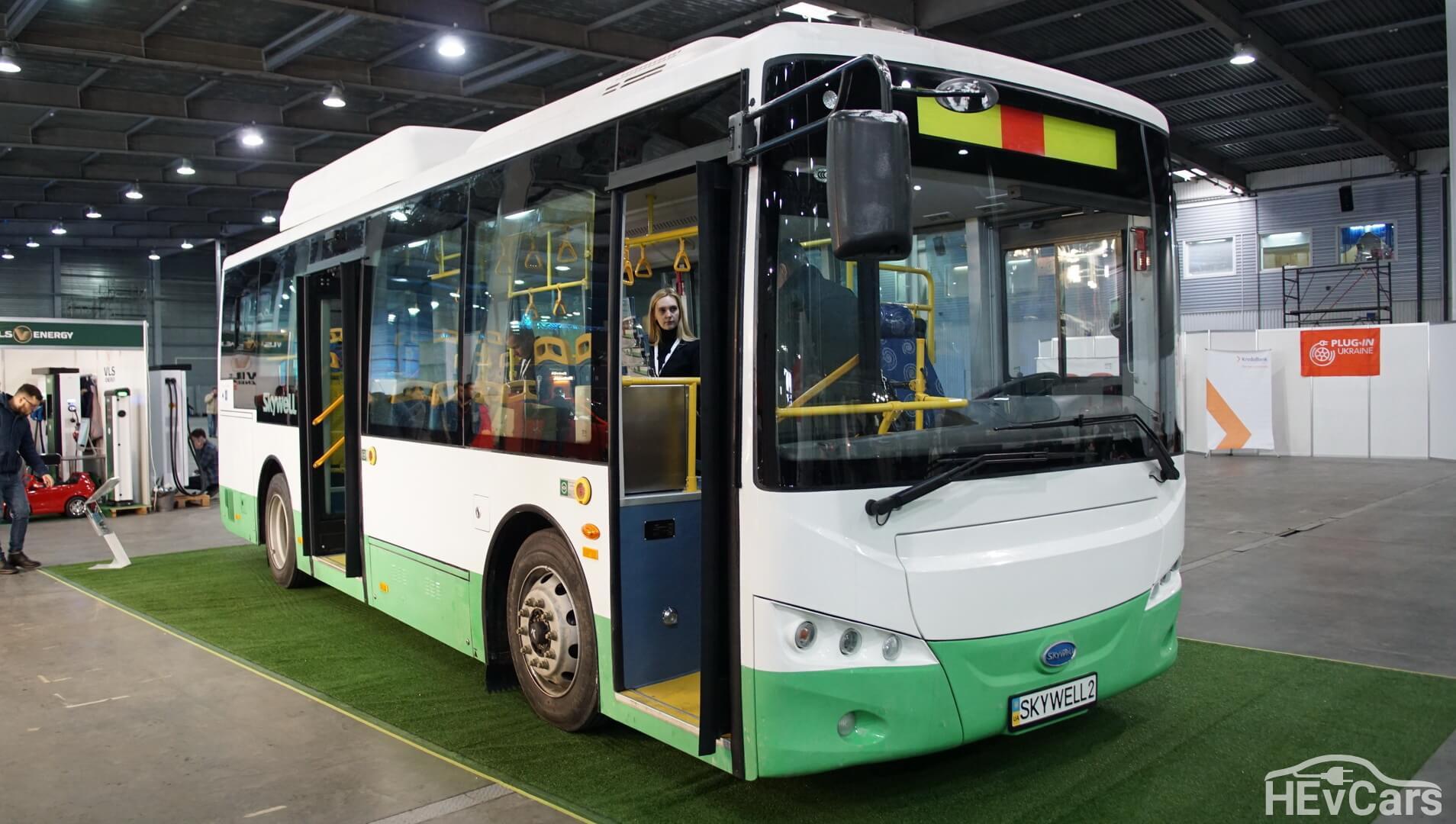 Компактная модель китайского электроавтобуса Skywell