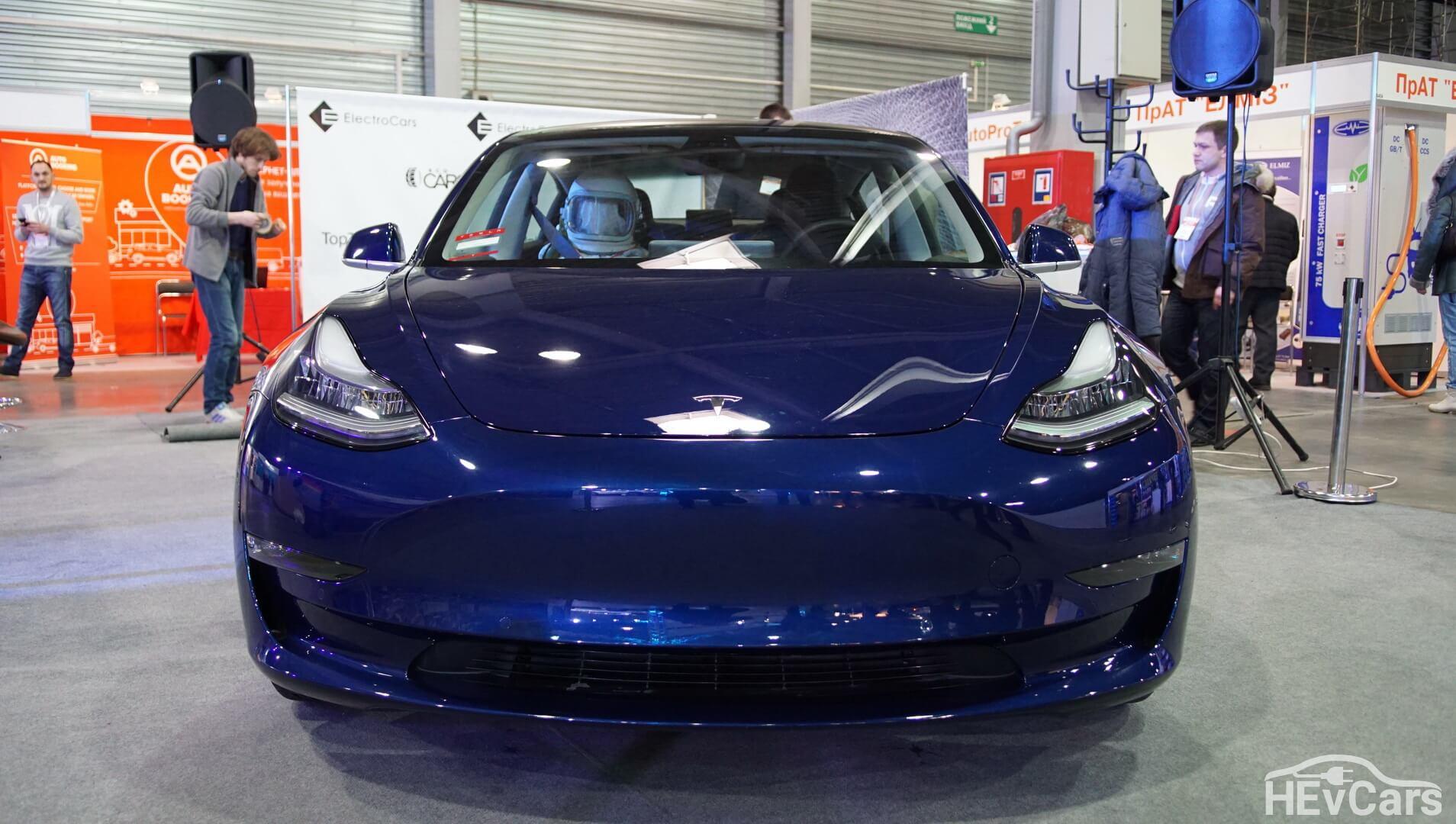 Экстерьер Tesla Model 3 — фото 3