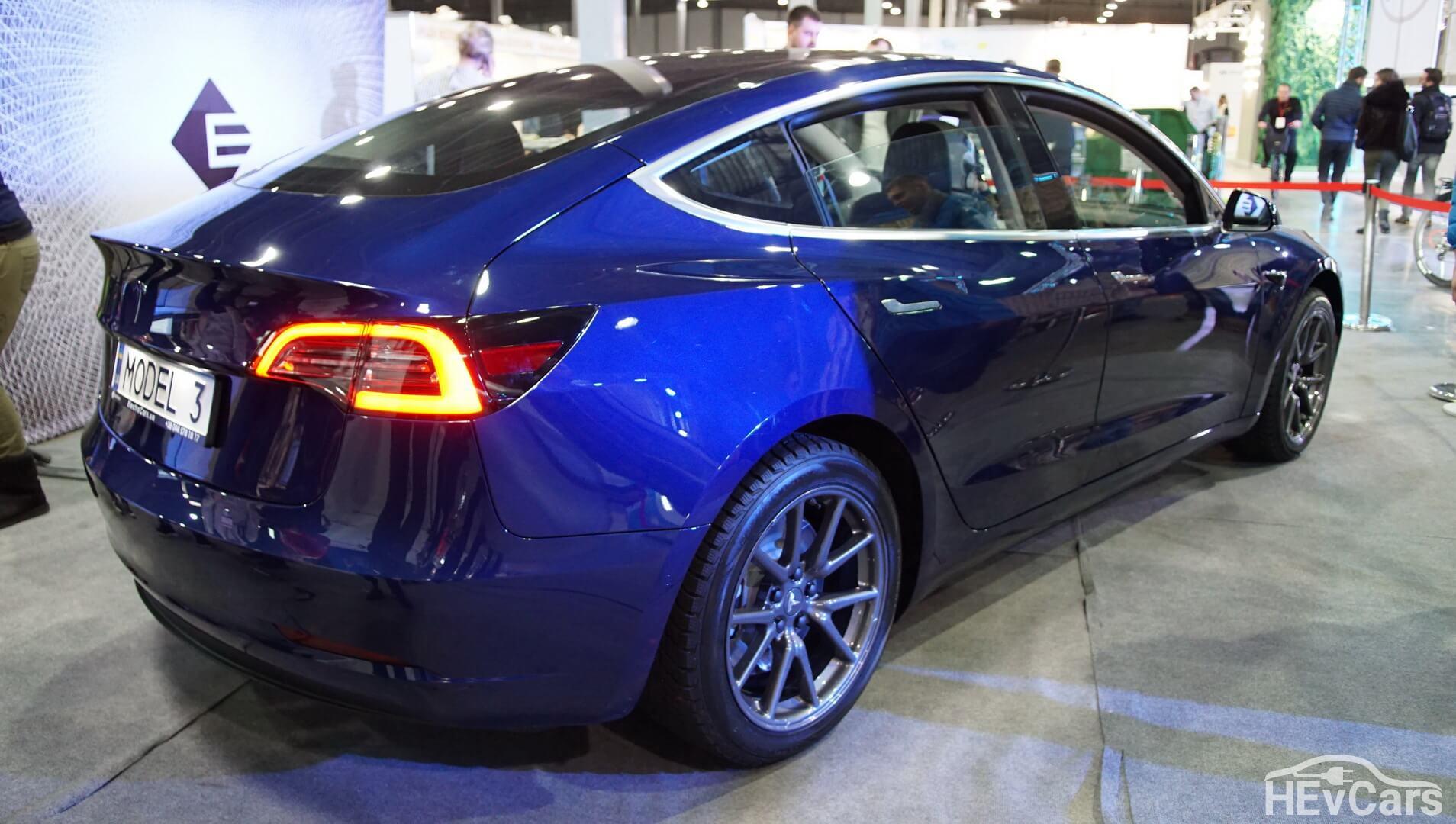 Экстерьер Tesla Model 3 — фото 5