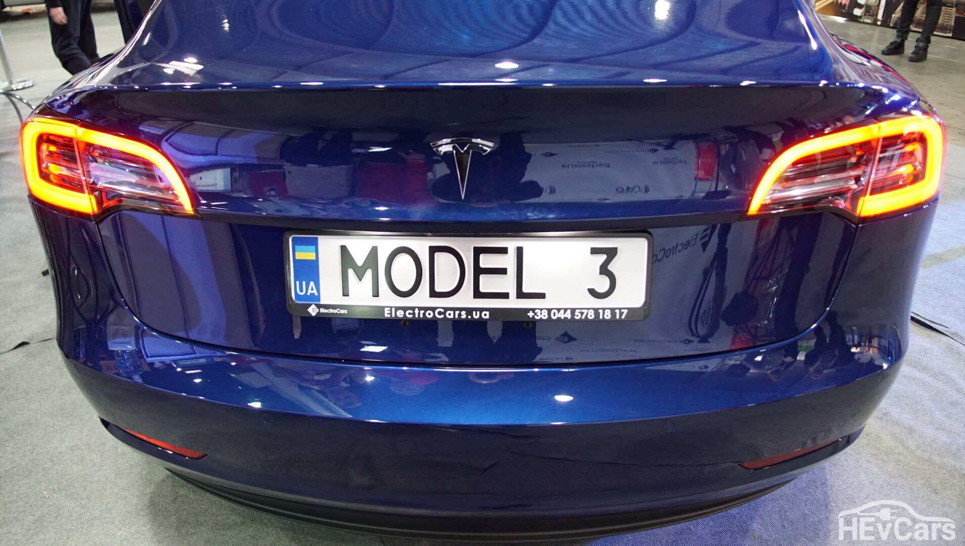 Экстерьер Tesla Model 3 — фото 4