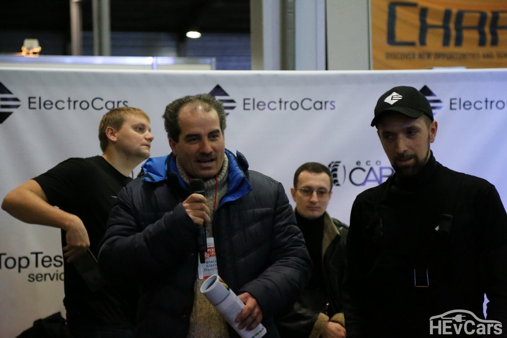 Вопросы про ремонт Tesla Model S 85 в Украине