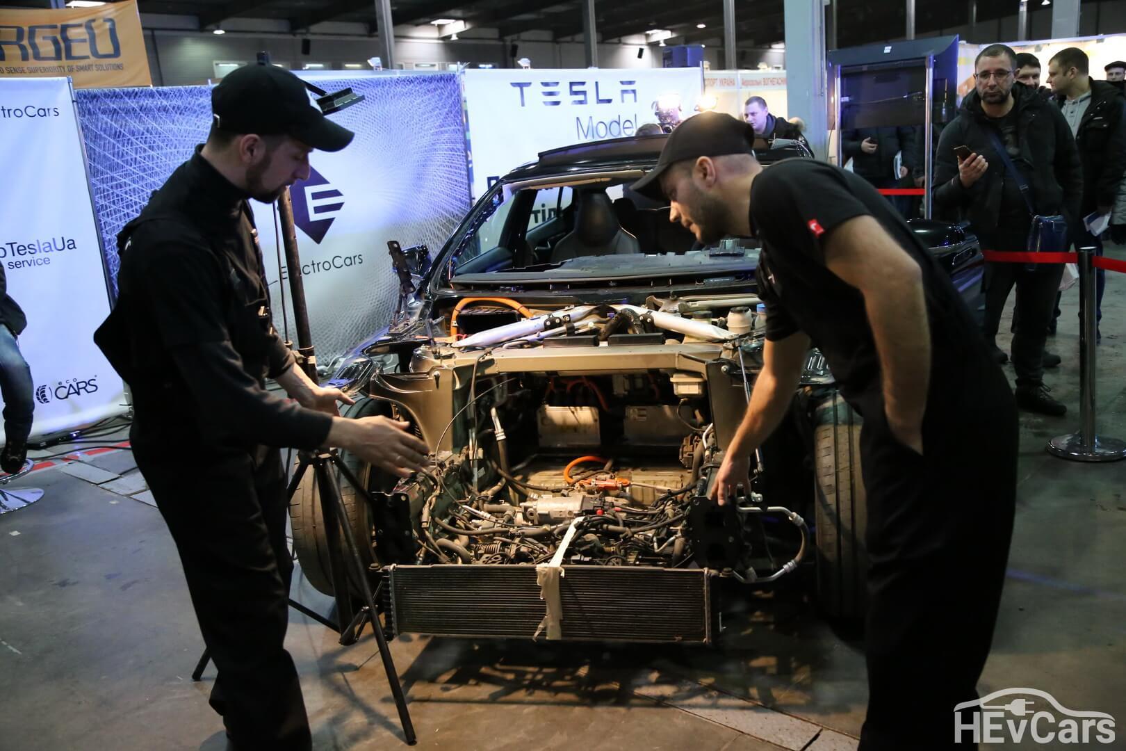 Специалисты по Tesla в Electrocars
