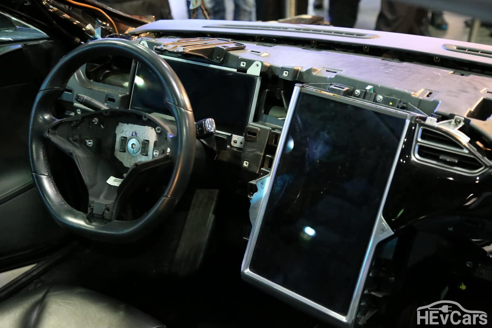 Салон Tesla Model S 85 — фото 2