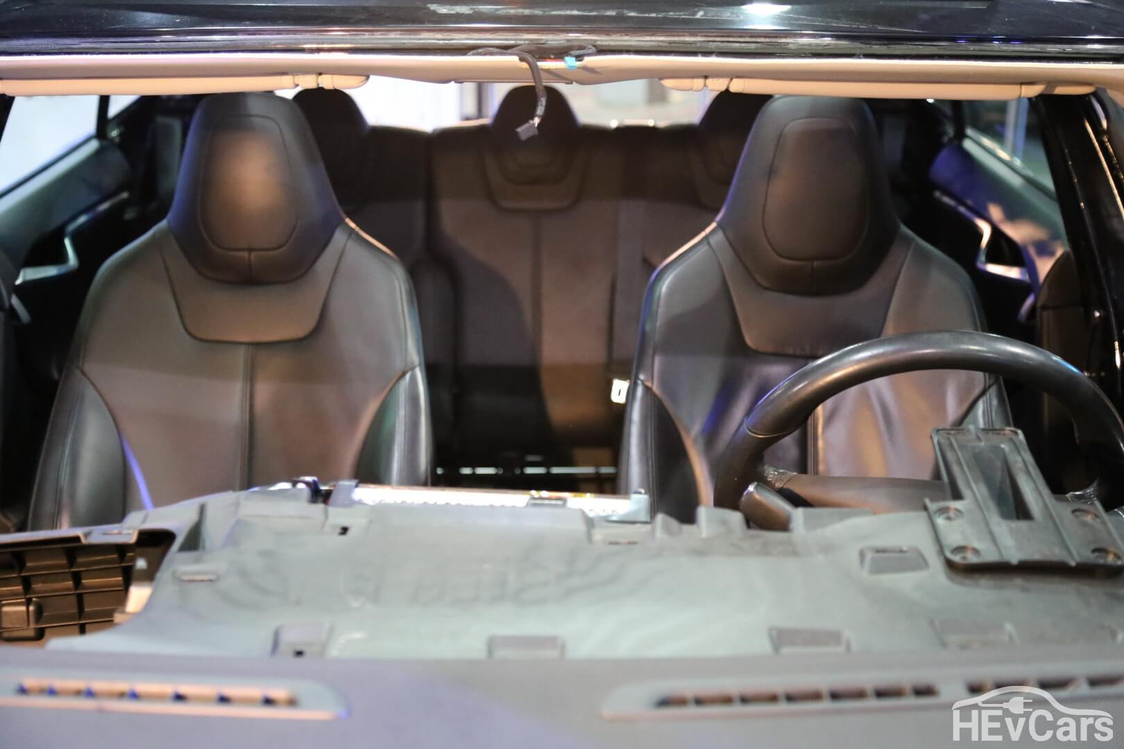 Салон Tesla Model S 85 — фото 3