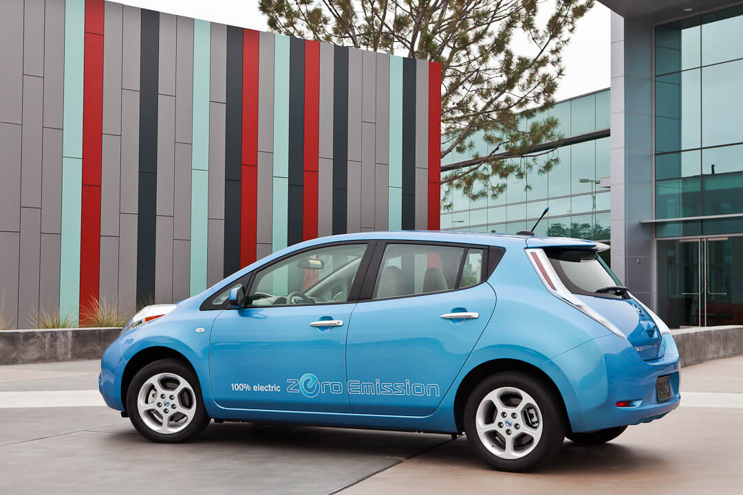 Nissan Leaf 2010-2012 годов выпуска