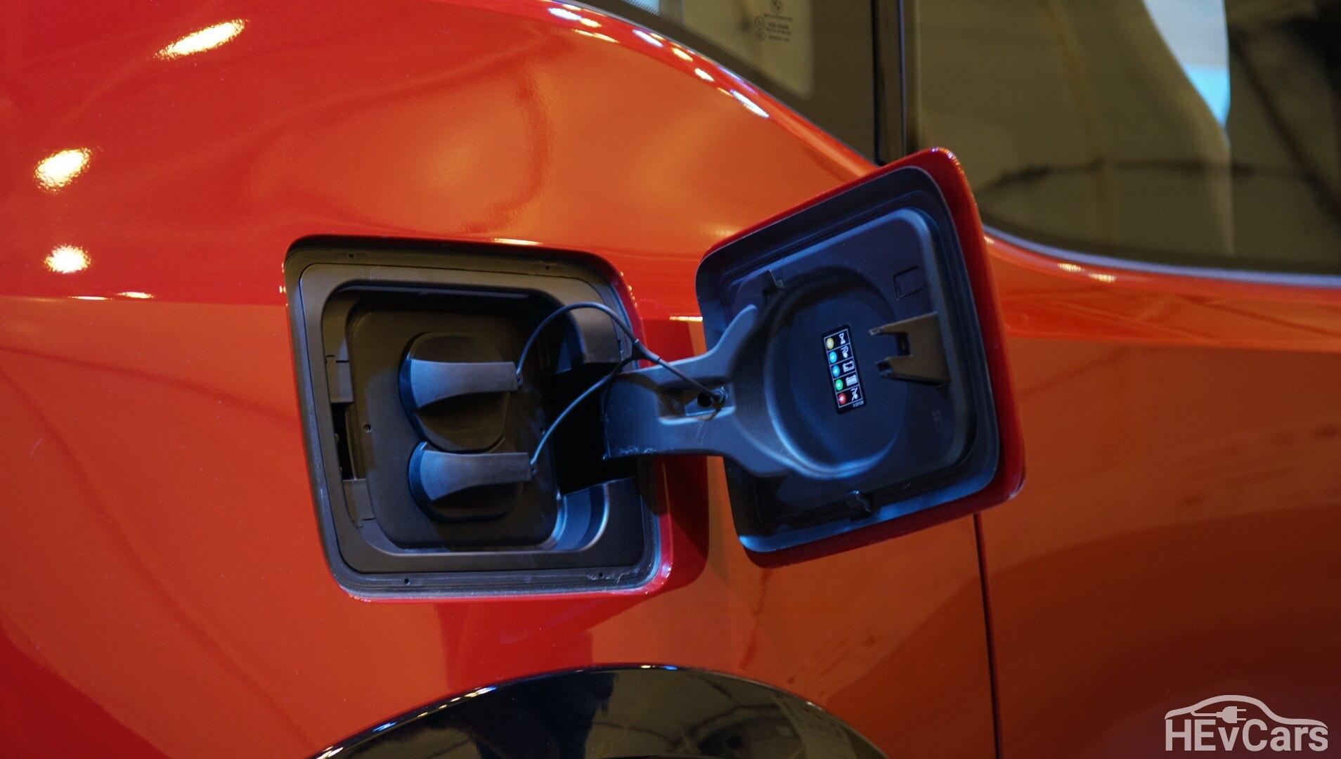 Зарядный порт CCS (Combo 2) в BMW i3s
