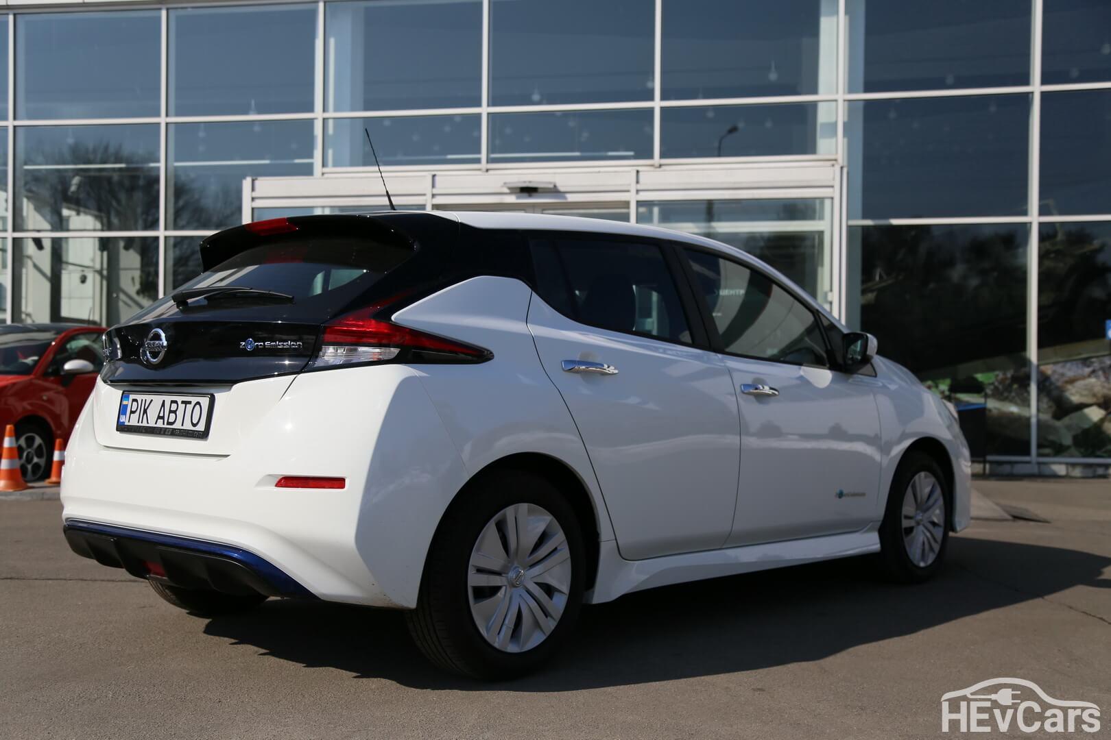 Nissan Leaf второго поколения — фото 3