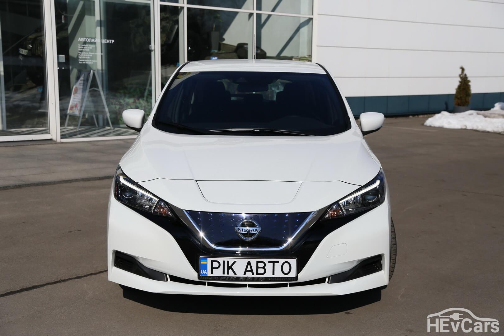 Nissan Leaf второго поколения — вид спереди