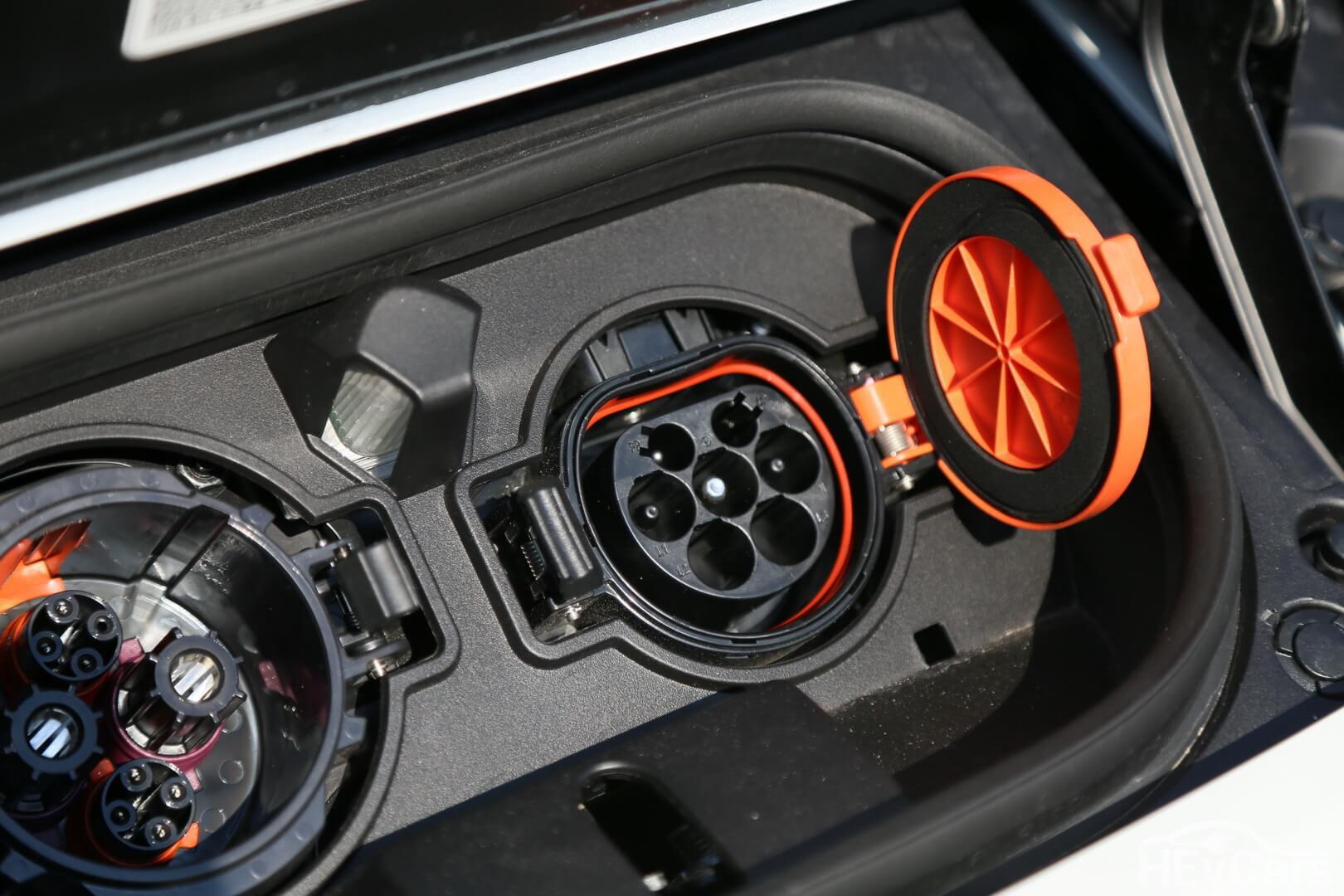 Разъем Type 2 Mennekes для зарядки европейской версии Nissan Leaf 2018