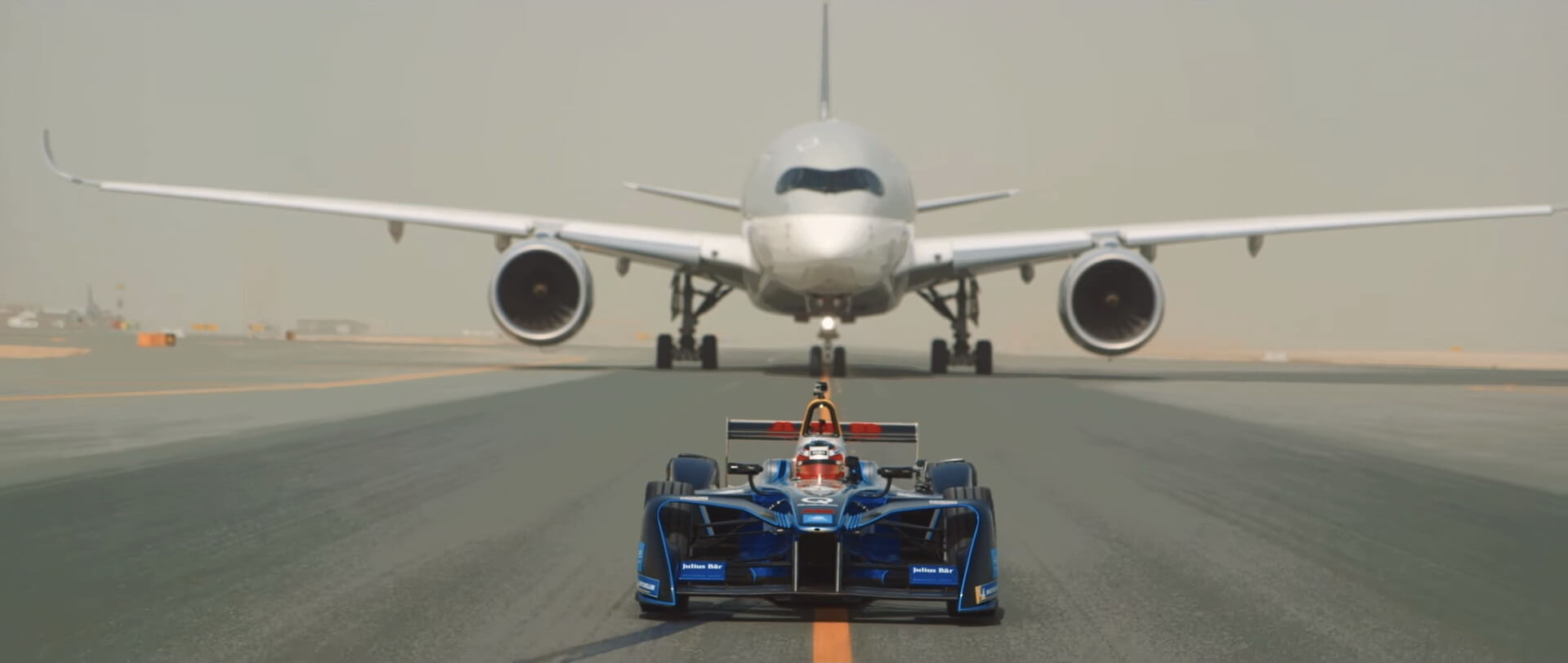 Болид Формулы E SPARK SRT_01E