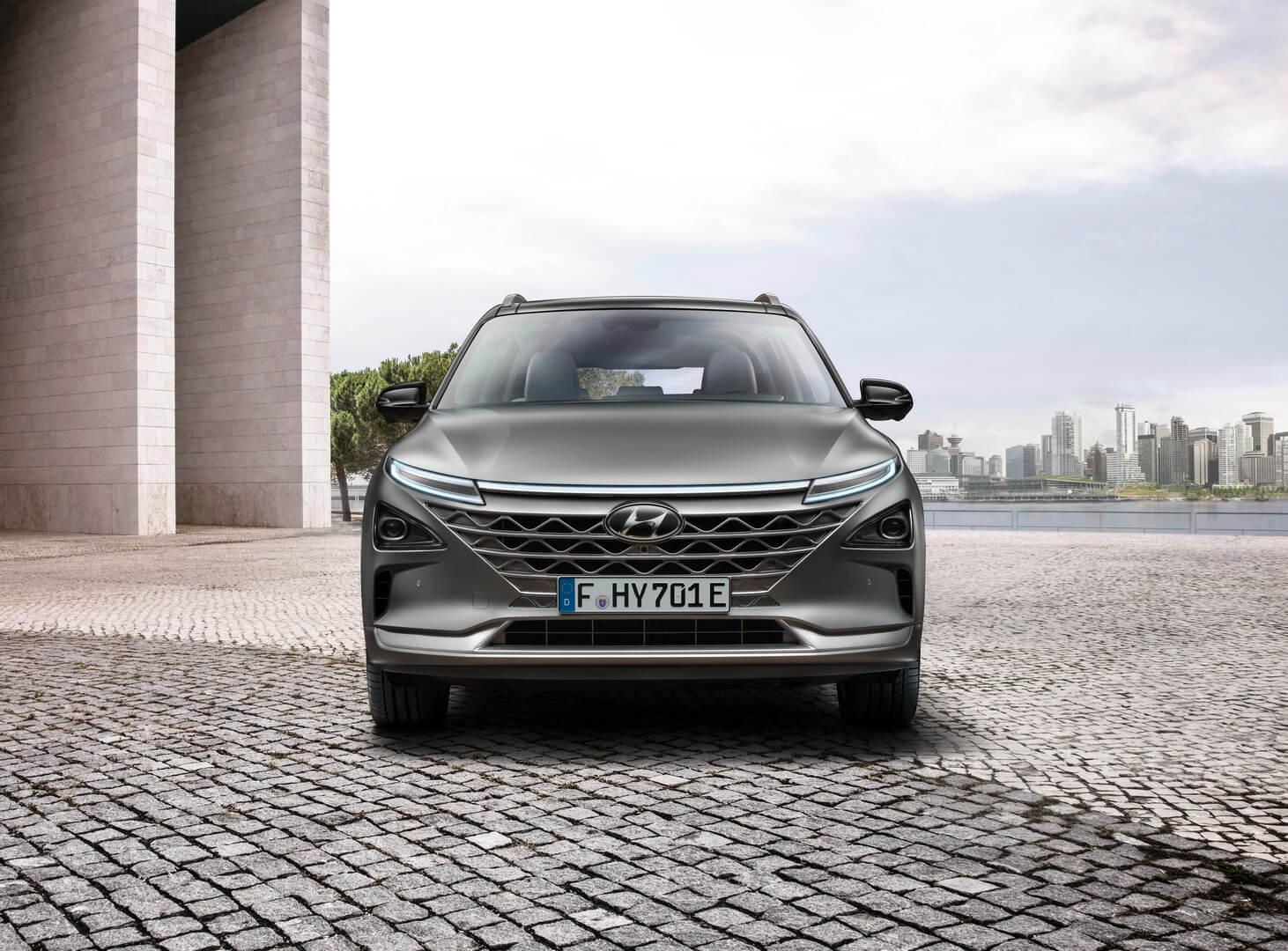Hyundai NEXO — вид спереди