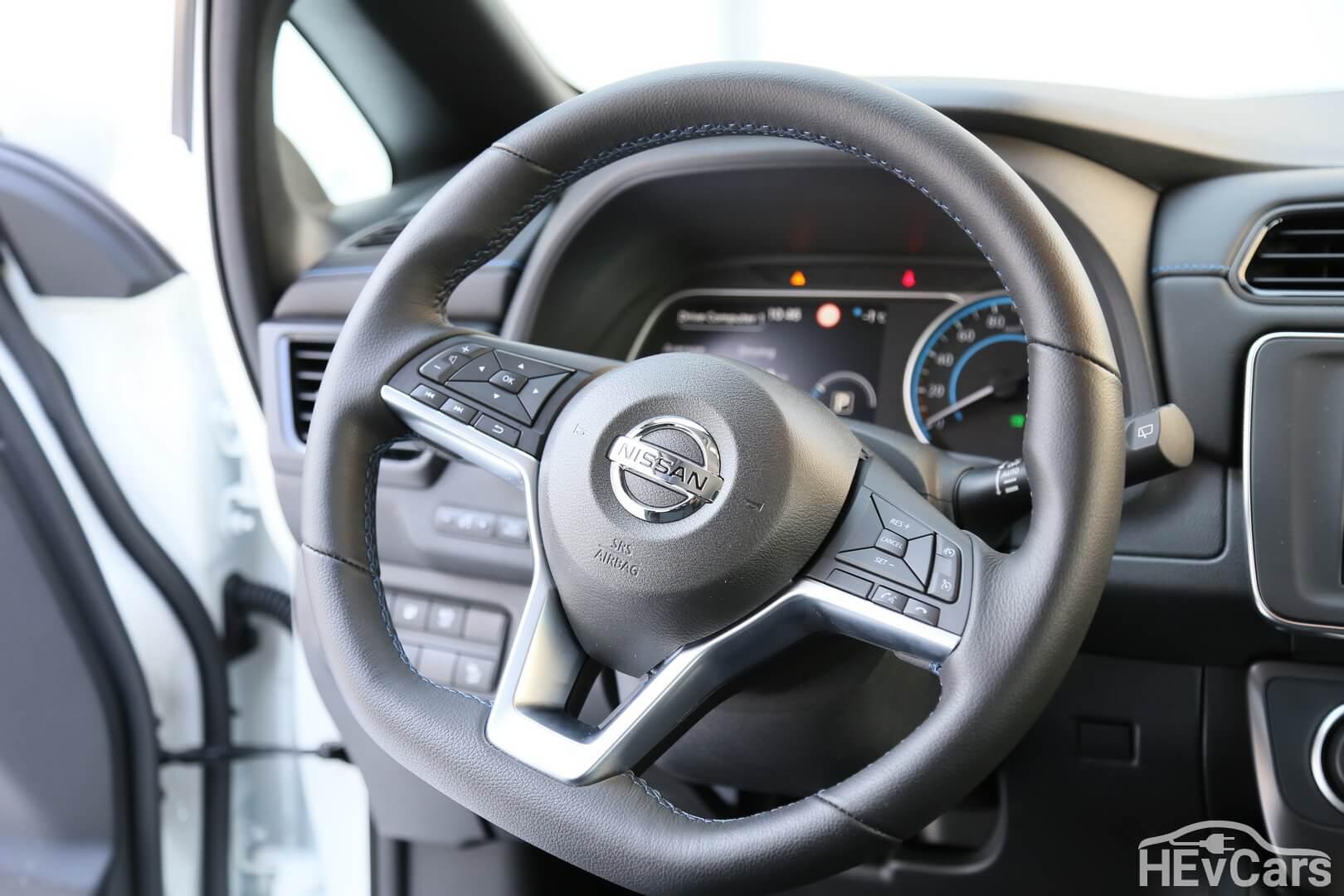 Руль в Nissan Leaf 2018