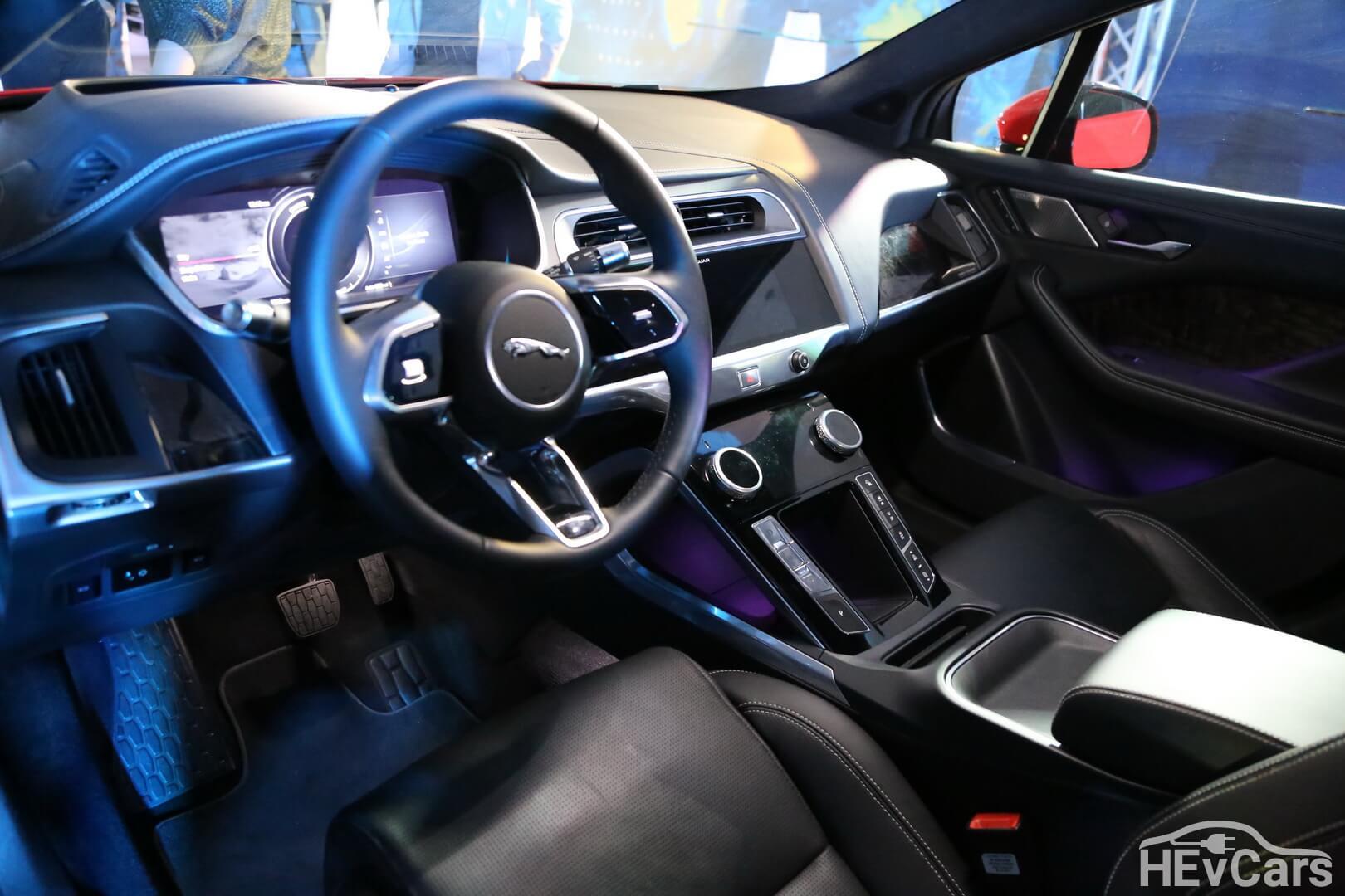 Салон электромобиля Jaguar I-PACE