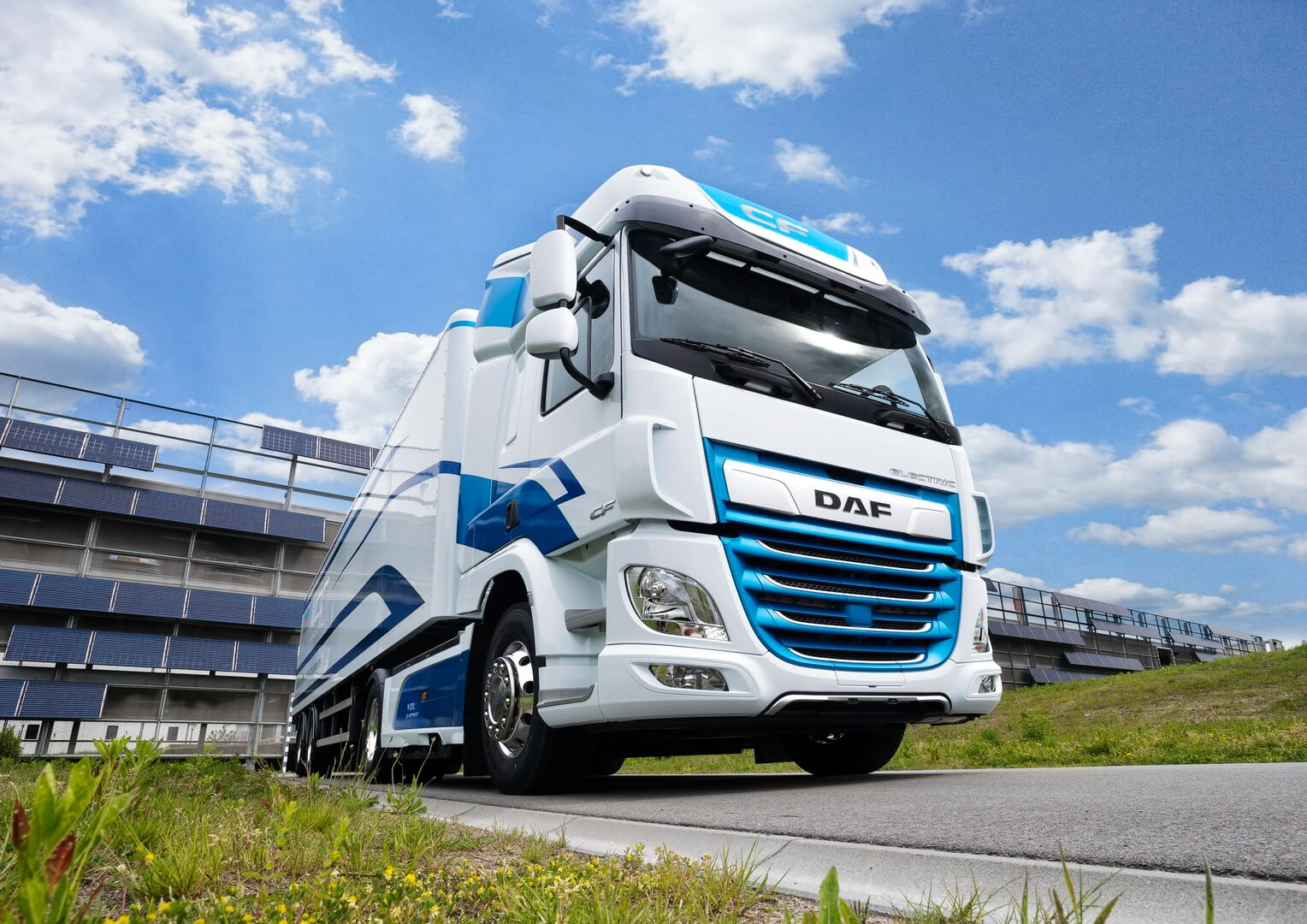 Электрогрузовик DAF CF Electric — фото 3