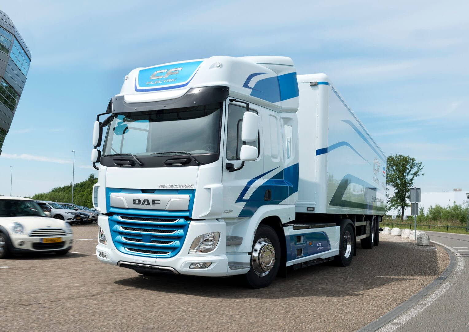 Электрогрузовик DAF CF Electric — фото 2