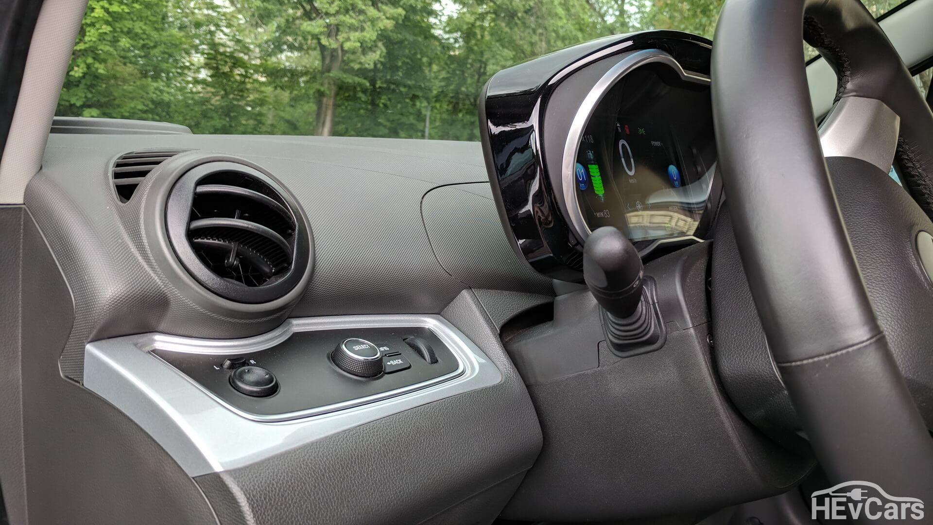 Интерьер Chevrolet Spark EV