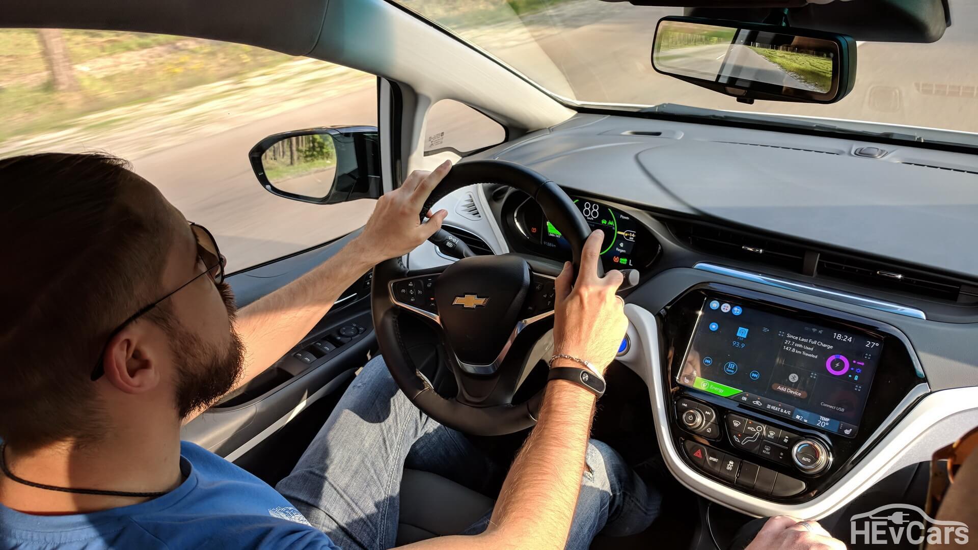 «Драйвер» и посадка в Chevrolet Bolt