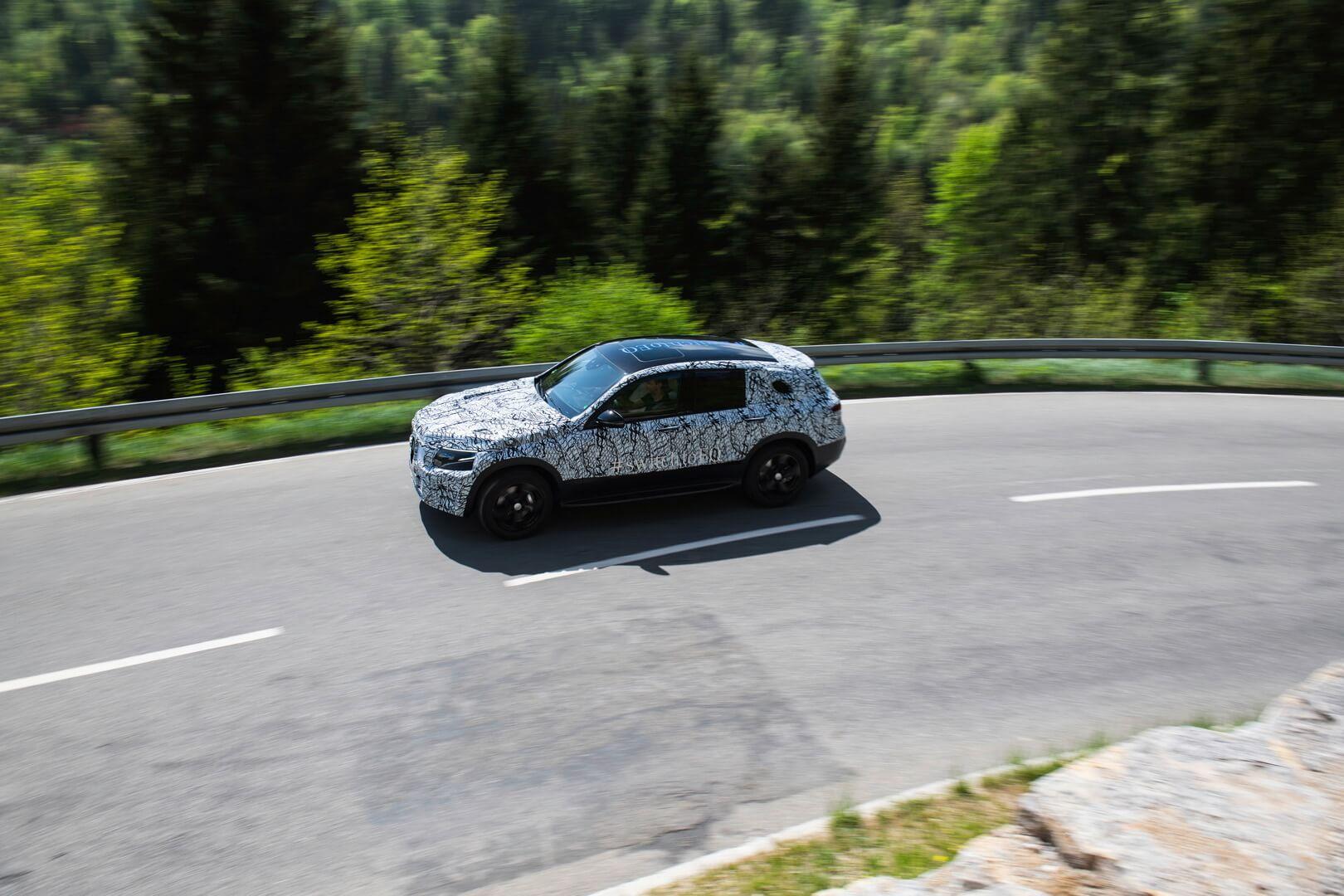 Испытания электрического внедорожника Mercedes-Benz EQC